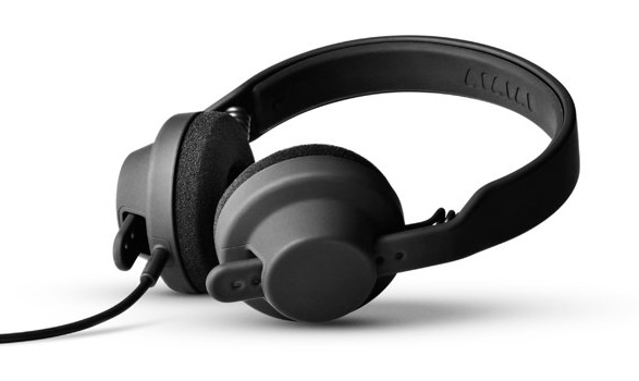 tm1_headphones_00